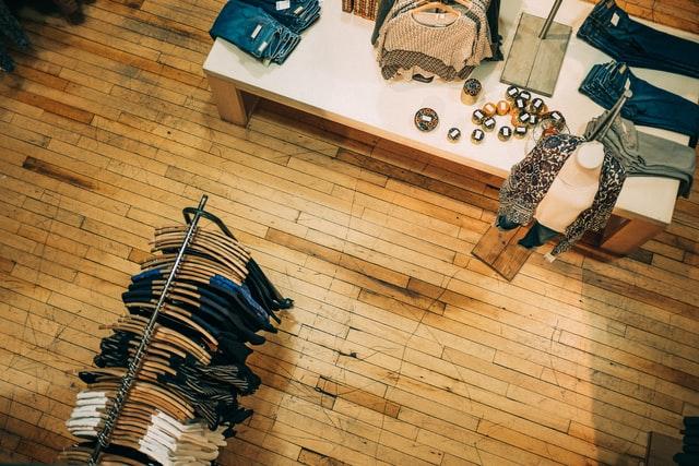 sklep odzieżowy, ubrania dla dojrzałych kobiet