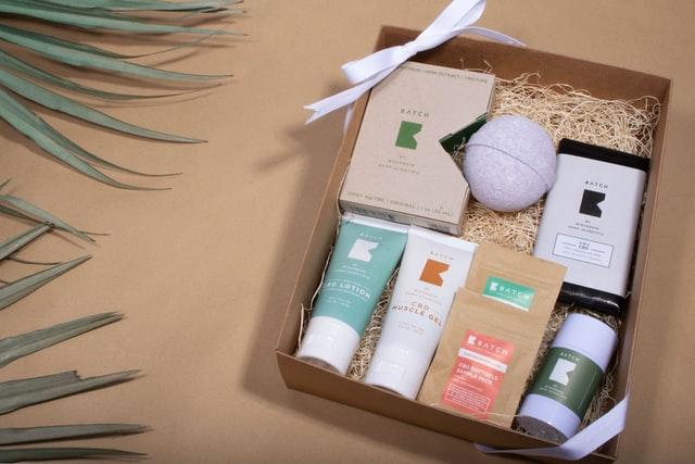 pudełko z kosmetykami do pielęgnacji