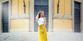 dziewczyna w żółtej spódnicy, wiosenna stylizacja
